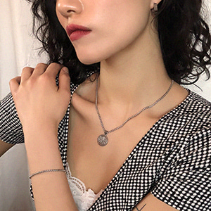 The Love Necklace [silver]