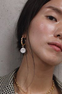 Aurora lace hoop earring Gold