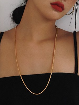 Bold Snake Opera Necklace Gold