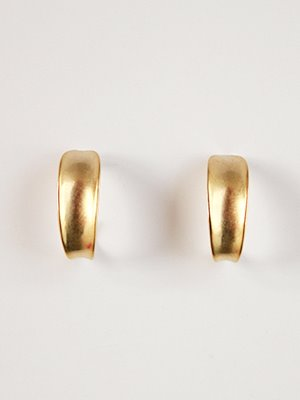 Edge curved earring [2color]